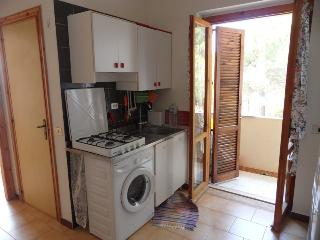 pretty beach apartment to rent or to sell, Staletti
