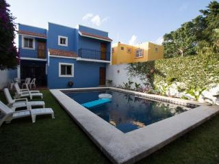 Hacienda Azul — Giant Pool & Garden, Quiet Street, Rustic Mexica