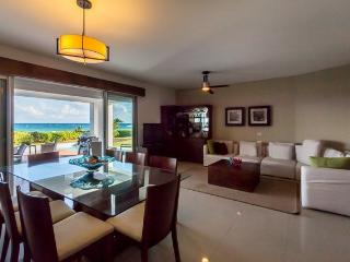 Condo Mareazul (106S) - A modern beachside condominium with more amenities than you can imagine, Playa del Carmen