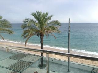 Apartment in Sesimbra in 1st line of beach