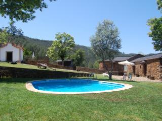 """Casa de Campo """" Quinta do Cadafaz"""", Cinfaes"""