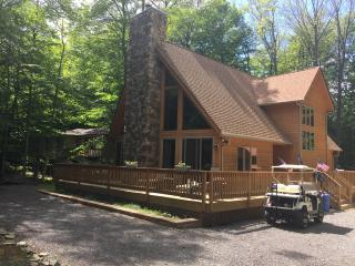 Beautiful  Home in Locust Lake Village., Lago Pocono