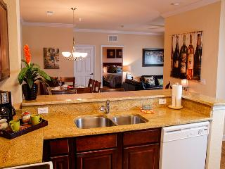 Inviting 2 Bed/2 Bath Condo Close to Golf & Disney