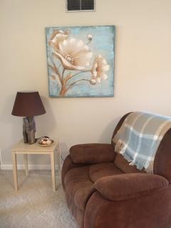 Comfy Recliner to enjoy Tv