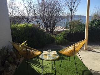 'Moonrise View'  in  Sandy Bay - Free Wifi, Hobart