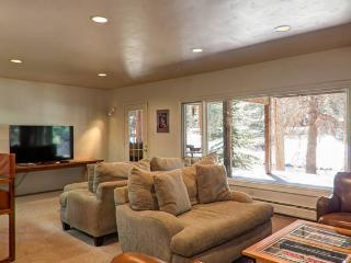 3 Bedroom 2 Bath - Center of Vail, Walk everywhere