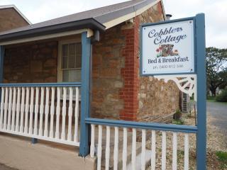 Cobblers Cottage B & B, Willunga
