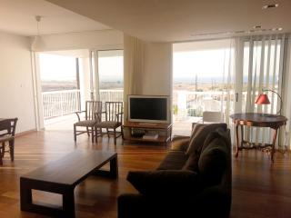 Phoenix Apartment /3 bed/ 6 people/ sea view, Protaras