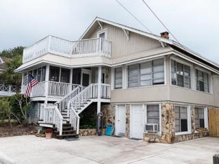 3 Bedrooms | Flat Screen TVs | Wifi | Large Porch, Tybee Island