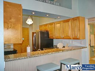 Inviting condo w/ two heated pools & short walk to Resident's Beach, Isla Marco