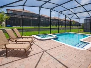 Mickey's Retreat: Incredible 9 Bed/ 5 Bath Luxury Pool Home.  Sleeps 30.