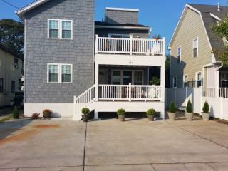 Beach House 6 bedrooms  sleeps 7-16  NEW!, Brigantin