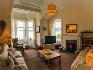 Ardbeg Villa - Free Wi/fi - short stays!, Isle of Bute