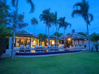 Villa 10 - 2 Bedroom Option on the Beach, Choeng Mon