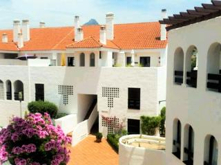 Cozy & spacious private en-suite bedroom sleeps 2, Marbella