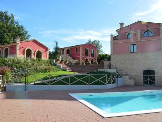 Agriturismo Villa Ninetta _ Il Glicine, Caldarola