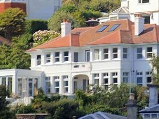 2 Bed Apartment - Sea Views, Few Steps,, Fowey