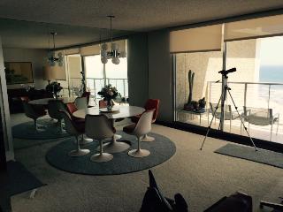 Breathtaking ocean view luxury apartment, Coronado