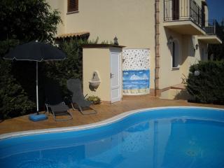villa iride wifi free e piscina riservata, Castellammare del Golfo