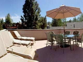 Catalina Tahoe Keys - Great Views, Pool Table, Walk to Lake, South Lake Tahoe