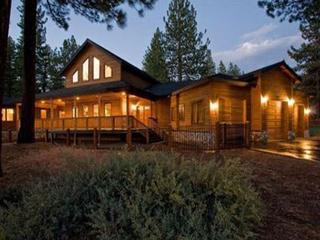 Custom Estate 1 mile to Heavenly  and Lake Tahoe Beaches, South Lake Tahoe