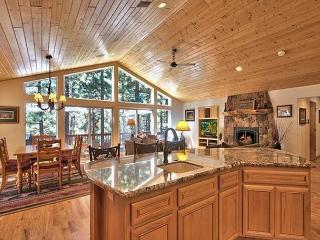 New Mountain Home - Quality Throughout - Big, Hot Tub, Open Space, Convenient, South Lake Tahoe