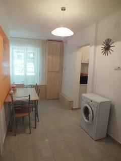 Hall - Kitchenette