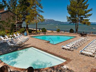 Updated Lakeland Village Condo-New kitchen, near beach, pool. 2 BR + Loft, South Lake Tahoe