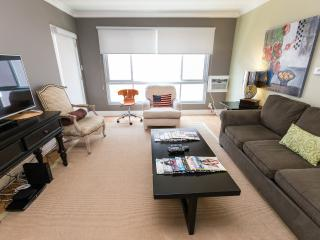 BIG&BRIGHT+W Hollywood AREA 2 bd2ba 4 beds+WIFI+TV, Los Ángeles