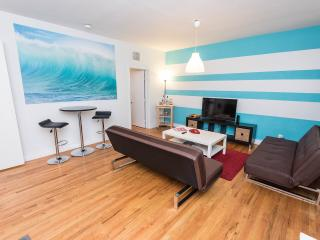 Super Nice & Roomy for a Couple, Miami Beach