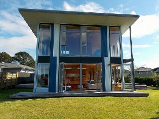 Estuary View - Whangamata Holiday Home