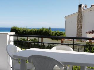 Apartment 1º beach line Arce building, Nerja