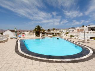 Apartment Bonita with Pool, Puerto del Carmen