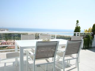 Luxury apartment with fantastic sea view, big solarium, heated pool and jacuzzis
