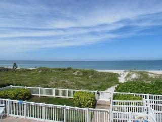 2 Bedroom directly overlooking the Gulf available for August and Fall!