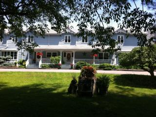 Country Pride Bed & Breakfast  Suite Del Amor, Newcastle