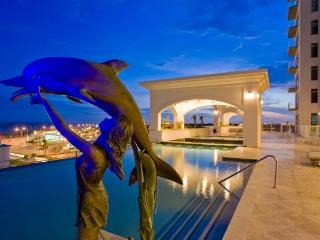 City Lights, Bay Views! Luxury Living By the Sea!