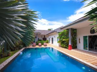 Luxury Huge 3 bed Villa + Private Bungalow NaiHarn