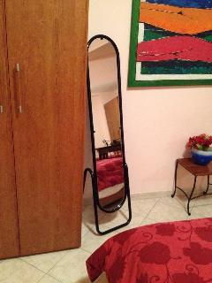 Camera da letto, specchio
