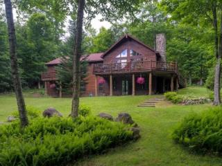 Moongate Lodge Private Adirondack Home Close to Golfing, Lake Placid