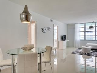 Seacoast Suites Deluxe Junior Suite, Miami Beach