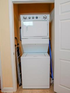 Full Size Washer & Dryer is Available for Guests - Great for Long Term Stays!