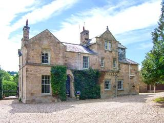 PENRHO HALL, luxury Grade II listed house, woodburner, wood-fired hot tub, ideal for families, near Holywell, Ref 925284