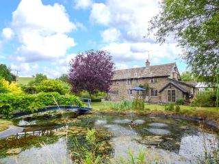 LOWER COURT BYRE, large gardens, WiFi, open fire, off road parking, near