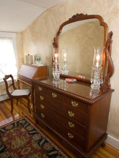 Desk in suite for business, study or catchi