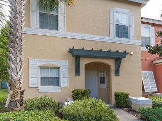 EMERALD ISLAND (8452CCL) - 3BR 2.5BA townhome, gated Resort, 10 min to Disney, Kissimmee