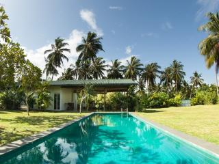 PJ's - Peaceful Holiday Villa in Hikkaduwa