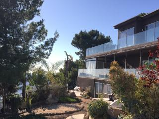 Malibu 4 villa compound 8 bed/6.5 bath,13 beds sleeps 24, great for retreat