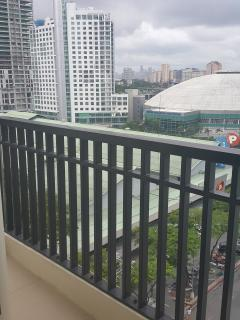 balcony fronting the Araneta Coliseum