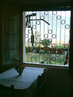 vista dalla cucina su Trento e dolomiti del Brenta